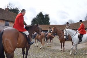 Vale of Aylesbury hunt meets at Piccotts End