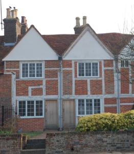 medieval-cottages-piccotts-end